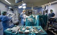 El hospital de La Ribera aumenta un 4,16% la actividad quirúrgica en el primer mes de gestión pública directa