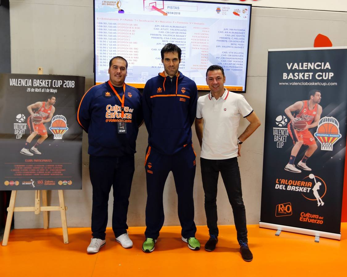La Valencia Basket Cup reúne a 1.000 participantes en L'Alqueria