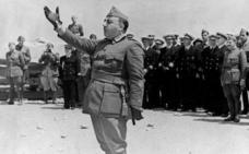 El «dictador» Franco entra en la Real Academia de la Historia