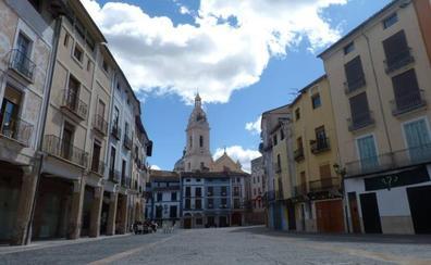 Un paseo por la plaça del Mercat de Xàtiva