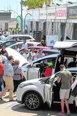 Más de 15.000 personas en el festival del tapeo, baile y automóviles