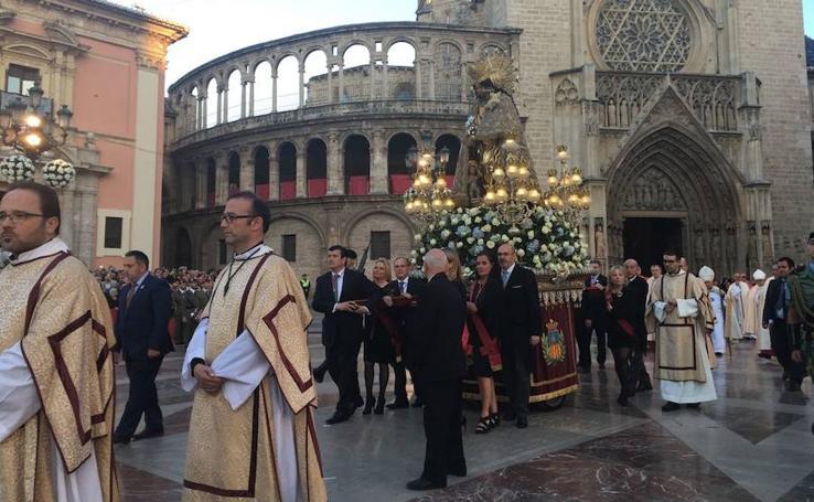 Fervor en la Procesión de la Virgen