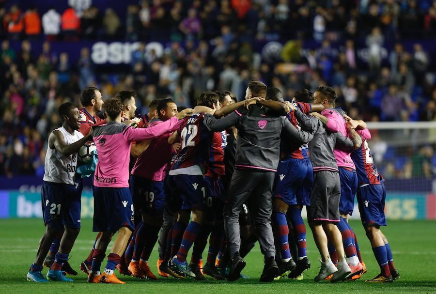 Fotos del Levante UD - FC Barcelona