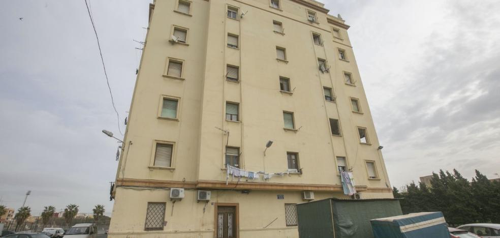 Un informe de daños decidirá el futuro de 168 pisos en el Cabanyal