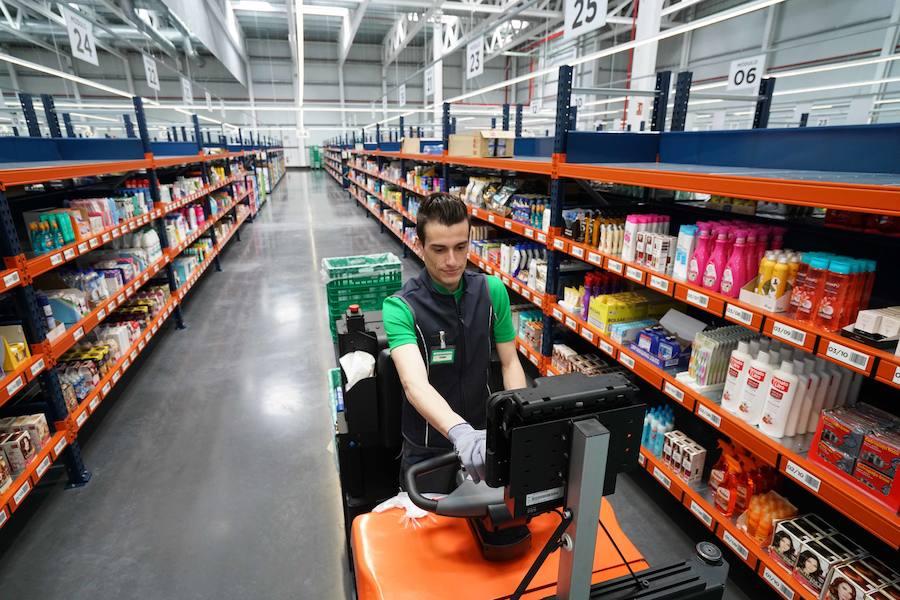 El gran almacén de Mercadona para la venta online ya está a punto