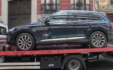 La UCO interviene dos coches de gama alta en el garaje de la vivienda de Zaplana