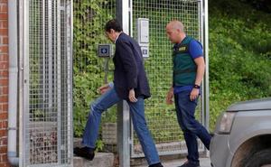 Eduardo Zaplana regresa a la cárcel tras ser tratado en La Fe por una bronquitis