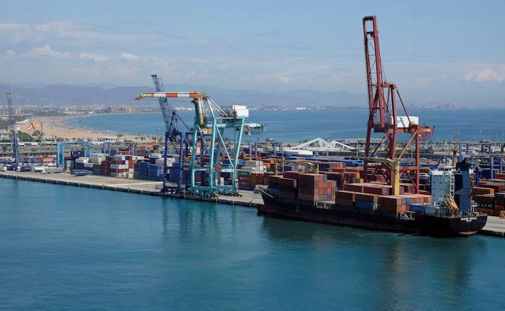 Un día de trabajo en el Puerto de Valencia