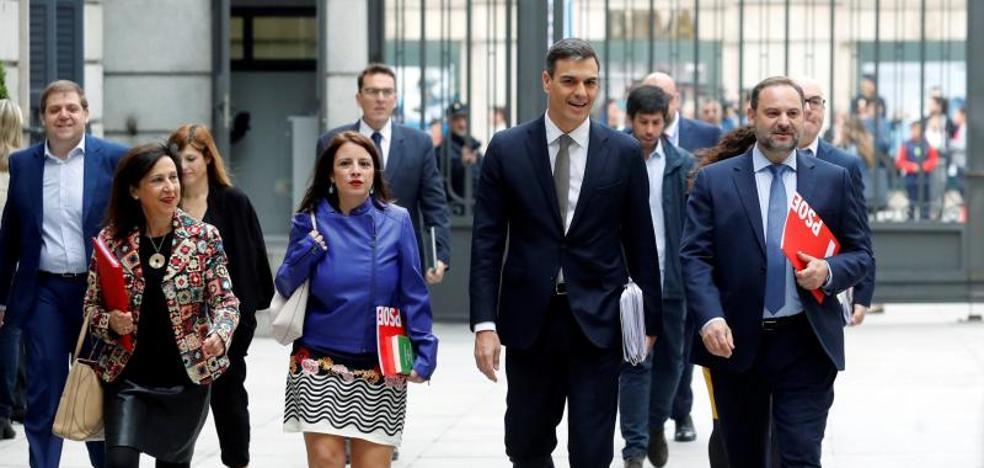 Pedro Sánchez perfila ya un Gobierno «socialista y en minoría» sin Podemos