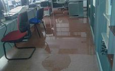 El juzgado número 2 de Mislata se inunda por las fuertes lluvias