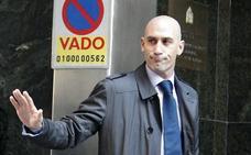 Rubiales descubre un escándalo en la Federación de dos millones de euros