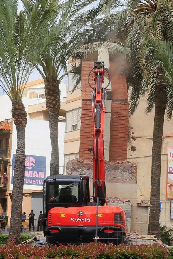 Fotos del intento de retirada de la cruz de Vall d'Uixó