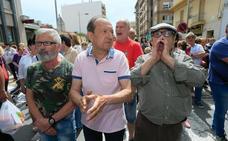 Derriban entre insultos la Cruz de los Caídos de Vall d'Uixó, que será sustituida por un monumento a la música