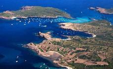 Un millonario dueño de un banco y un club de la NBA compra una isla en Baleares