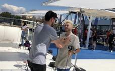 Cepeda elige a uno de los aspirantes en el casting de 'Operación Triunfo' en Valencia