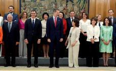 El «Consejo de Ministras y Ministros» de Pedro Sánchez toma posesión ante el Rey