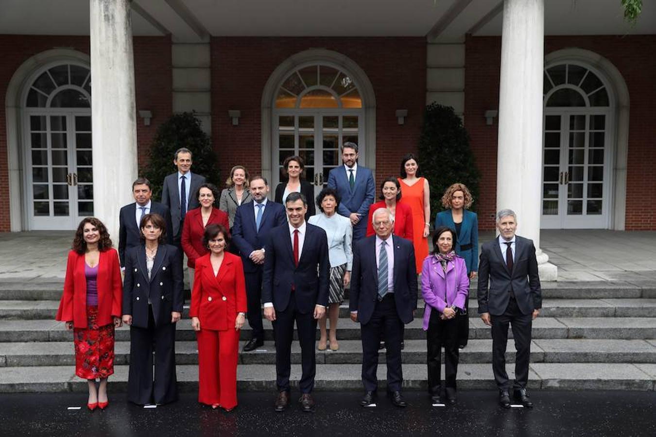 Fotos de la llegada al primer Consejo de Ministros en Moncloa