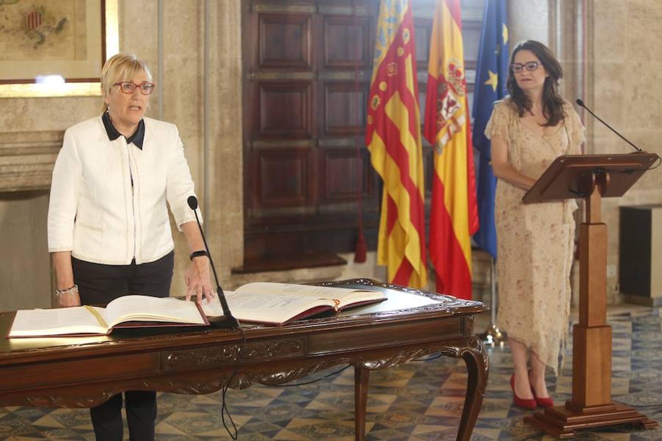 Fotos toma de posesión de Ana Barceló como consellera