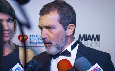Antonio Banderas: «Salma Hayek mantuvo silencio para protegernos de Weinstein»