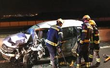 Un hombre que conducía en sentido contrario muere tras chocar frontalmente contra otro coche en Alicante