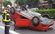 Un conductor ebrio se estrella en la avenida Peris y Valero de Valencia