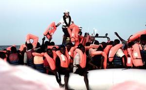 Médicos Sin Fronteras avisa sobre el Aquarius: el barco está al límite de su capacidad