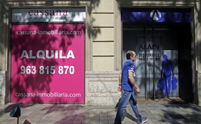 La 'Milla de Oro' de Valencia mantiene locales comerciales vacíos por el alto precio de los alquileres