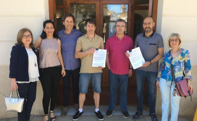 Los comercios reúnen 3.200 firmas para exigir más aparcamientos en Moncada