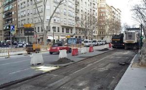 El Ayuntamiento de Valencia asfalta una docena de calles
