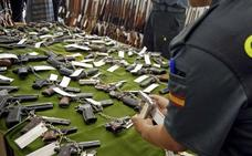 La Guardia Civil subasta 627 armas en Castellón