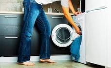 Cinco errores típicos al poner la lavadora y cinco consejos para evitarlos