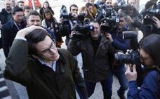 Un juez condena a la mujer de Morera por llamar «maricón de España» a un asesor del PP
