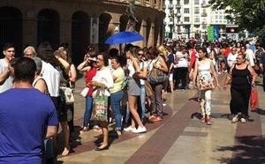Miles de personas estrenan el nuevo Primark de Valencia