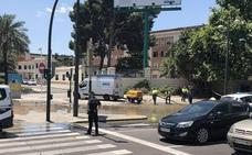 El reventón de una tubería complica el tráfico en las avenidas del Cid y Tres Forques
