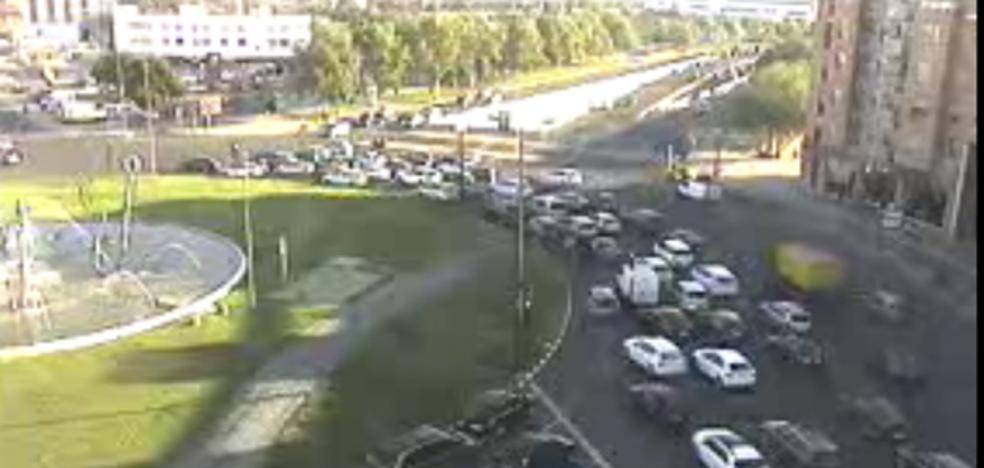 Un accidente colapsa la salida de Valencia hacia la pista de Silla