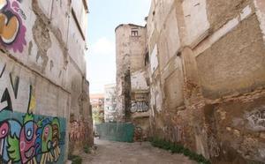 El Ayuntamiento de Valencia invertirá 470.000 euros en la compra del suelo de la plaza del Ángel para rehabilitar la muralla islámica