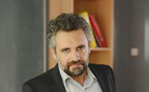 Pau Durá: «Aunque sigo siendo actor necesito expandir el amor que siento por la ficción y el cine»