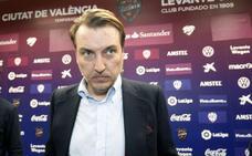 Quico Catalán: «Seguir como presidente del Levante UD no es malo»