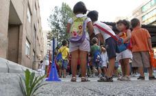 Casi setenta municipios se quedan sin colegios públicos en castellano
