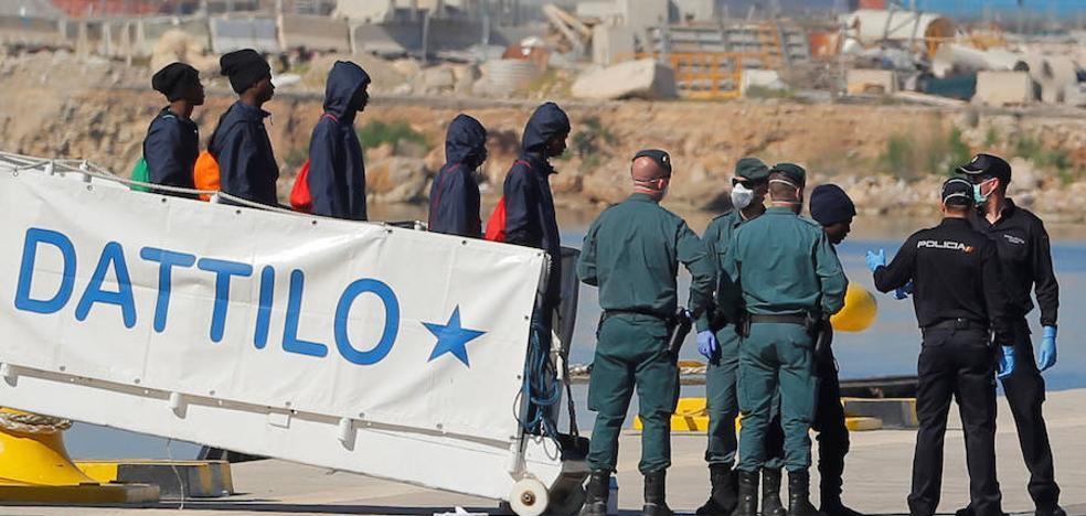 Los inmigrantes del 'Aquarius' tendrán mes y medio de permiso de estancia extraordinaria en España