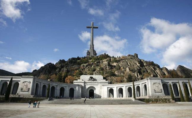El traslado de los restos de Franco abre un nuevo frente entre Gobierno y PP