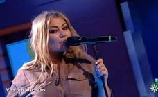 Amaia Montero vuelve a olvidarse de la letra de sus canciones durante una actuación en directo