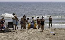 Sueca inicia la campaña a la espera de que lleguen las postas sanitarias a las playas
