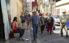 Los vecinos suspenden al Consistorio en el Cabanyal por los problemas de convivencia