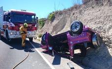 Dos heridos en el vuelco de un coche en la CV-740 en Teulada