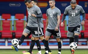 ¿Por qué los jugadores de Irán tienen que comprarse sus botas Nike en una tienda?