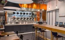 El restaurante con robots cocineros que prepara platos de estrella Michelin a 7 euros
