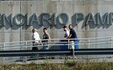Tres miembros de la Manada abandonan la cárcel de Pamplona tras pagar la fianza