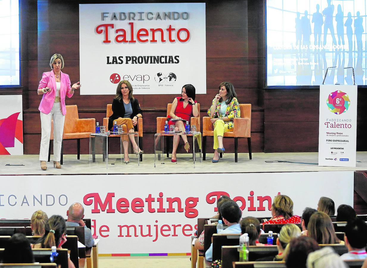 Mujeres que afrontan los retos del liderazgo y la innovación