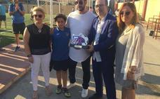 El balón rueda en Alzira en recuerdo de Nacho y a favor de la investigación
